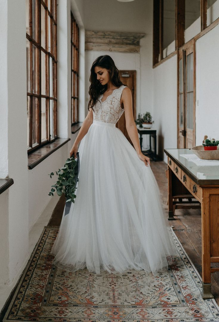 Ihr einzigartiges Brautkleid nach Maß, handgefertigt aus feinsten Stoffen und