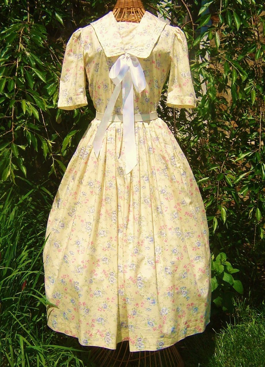 Vintage laura ashley yellow floral sailor collar garden party dress