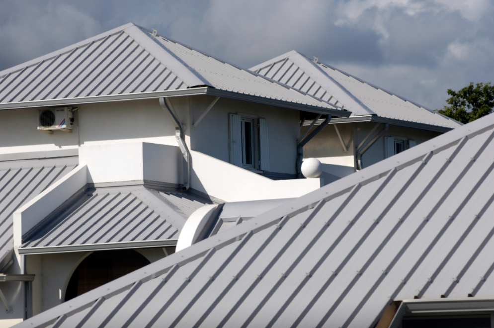 A Proper Painting Job Would Last For Years Before A New Coat Of Paint Will Be Required To Reinforce You Metal Roofing Contractors Metal Roof Colors Roof Design