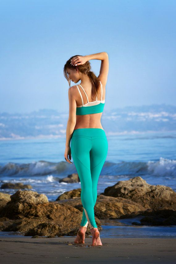 aca9e61e942db Emerald Green Heart Butt Yoga Leggings B001 by NINABROZE on Etsy, $105.00