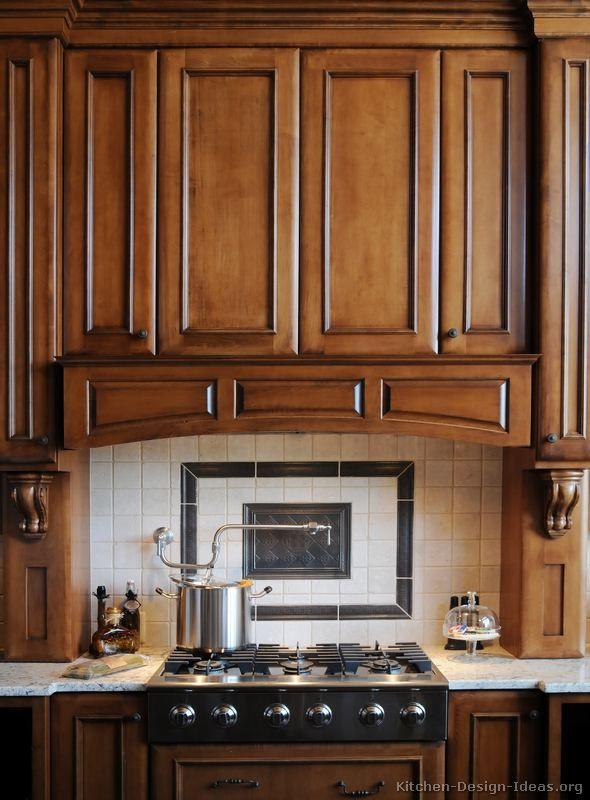 Best Pictures Of Kitchens Traditional Dark Wood Golden 640 x 480