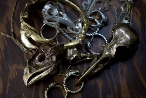 bird skull pendants claw bracelet