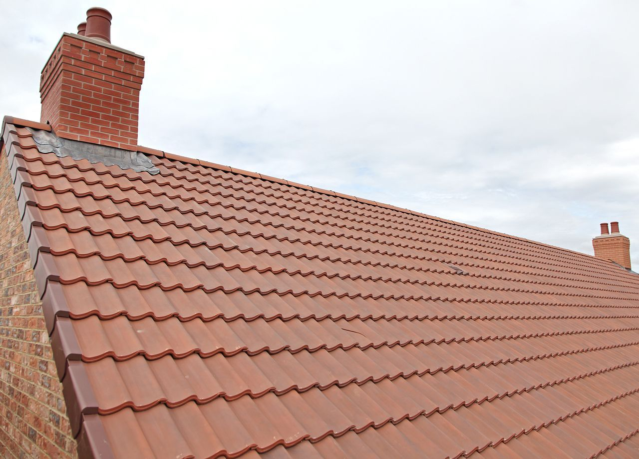 6 Best Roofing Materials Ranked By Durability And Cost In 2020 Cool Roof Roofing Materials Cheap Roofing