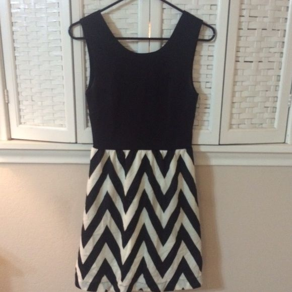 Chevron dress Sleeveless black and white chevron dress with pockets Honey Punch Dresses