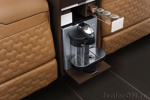 Интерьер тюнинга Brabus Mercedes-Benz V-класса / Брабус Мерседес-Бенц V-класса – кофе машина