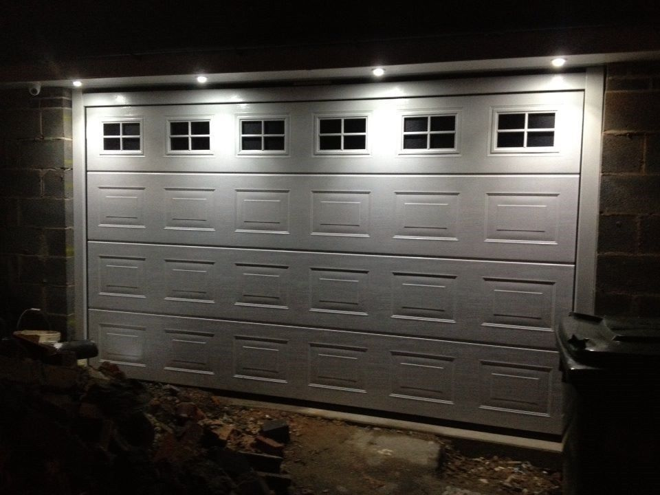 14 ft garage doorFully fitted 14ft wide Hormann georgian sectional door www