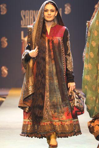 Sabyasachi Mukherjee Fashion Designer Profile Fashion Indian Fashion Indian Designer Wear