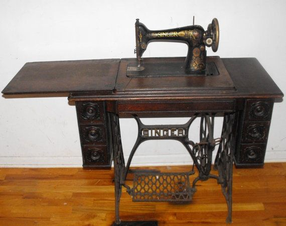 Antique 40 Singer Treadle Sewing Machine Table Includes Original Simple 1910 Singer Sewing Machine For Sale
