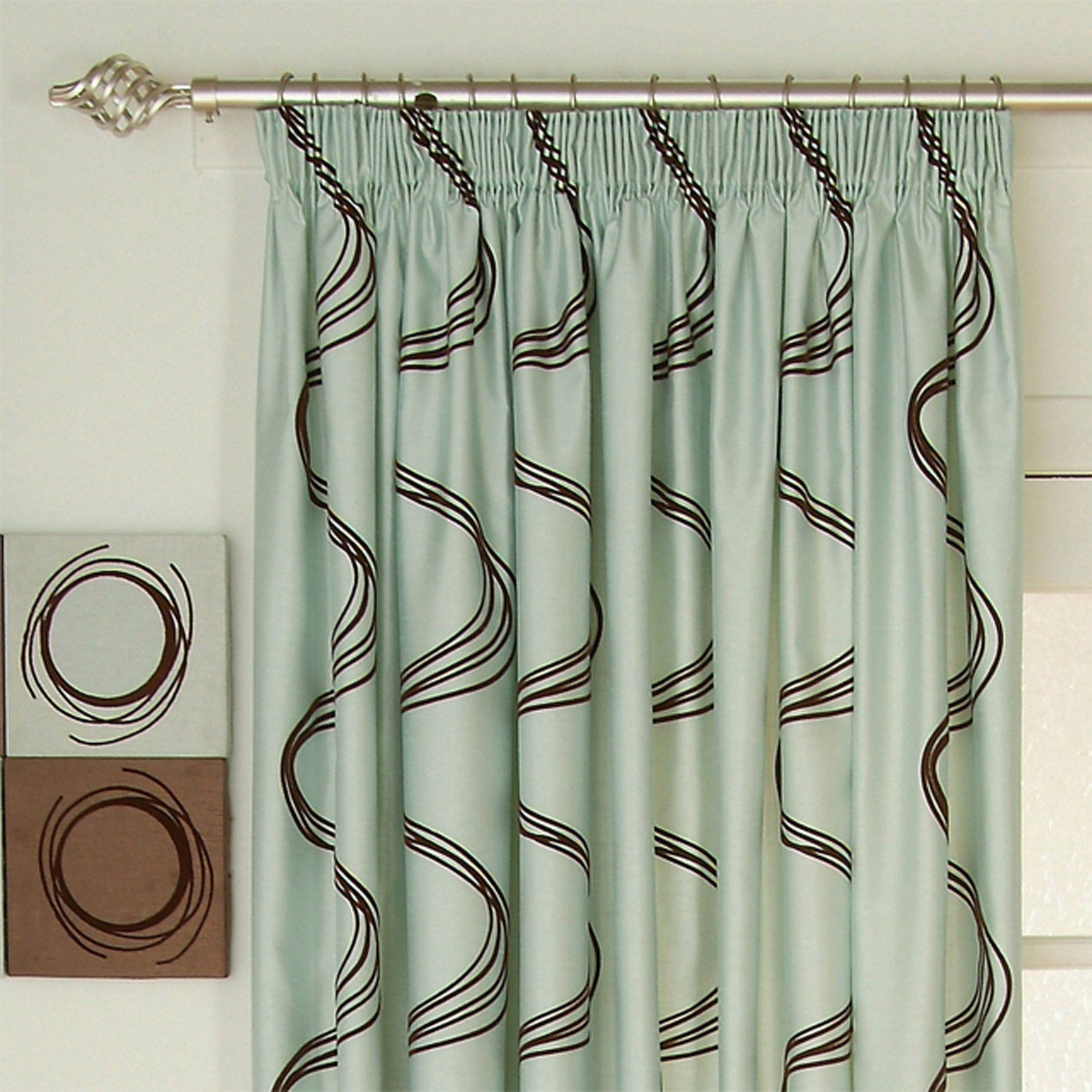 Each Curtain Has Small Folds At The Top That Are Gathered Closely Together To Resemble A Row Of Pencils Laid Si Latest Curtain Designs Curtain Designs Curtains