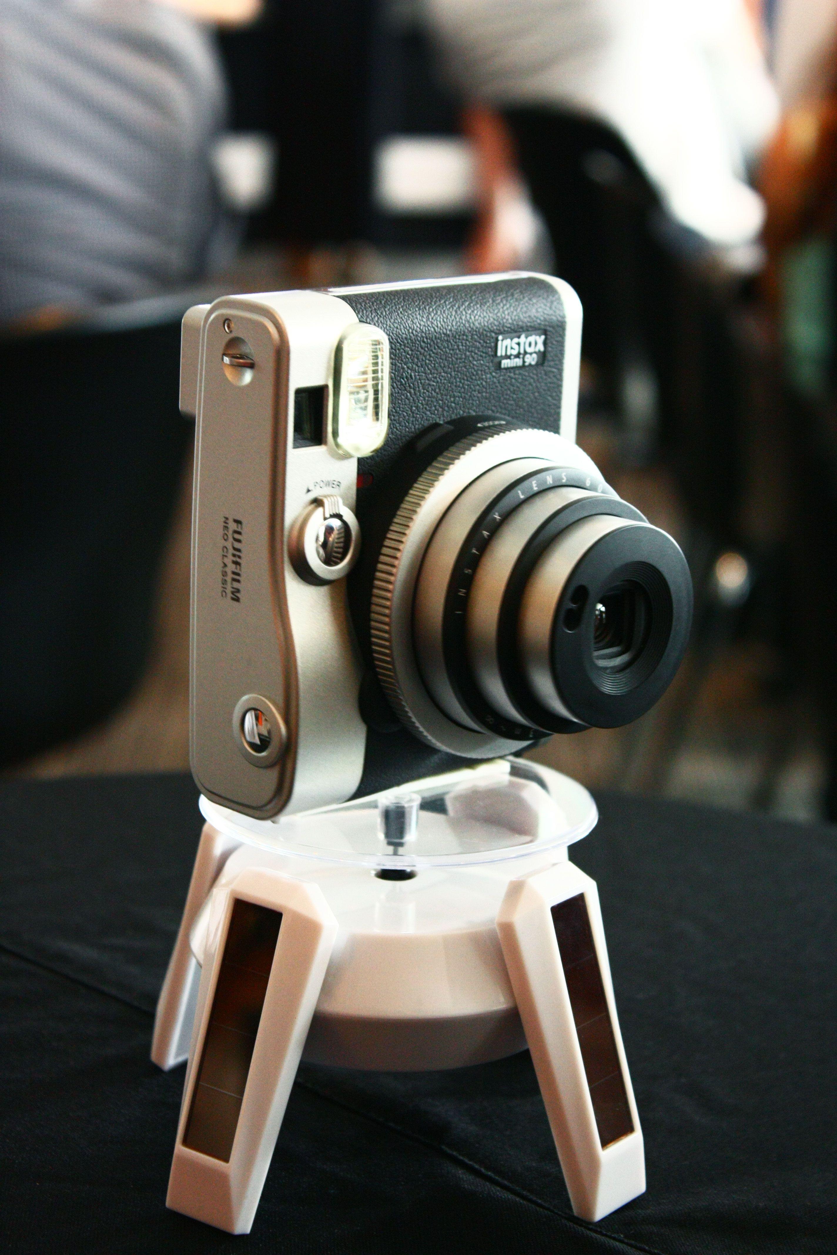 Fujifilm S Instax Mini 90 Neo Classic Screams Retro Instax Mini 90 Fujifilm Instax Mini 90 Instax