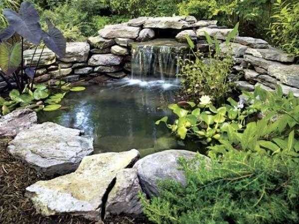garten-teich anlage bepflanzungen-große flache-Steine Wasserfall ...