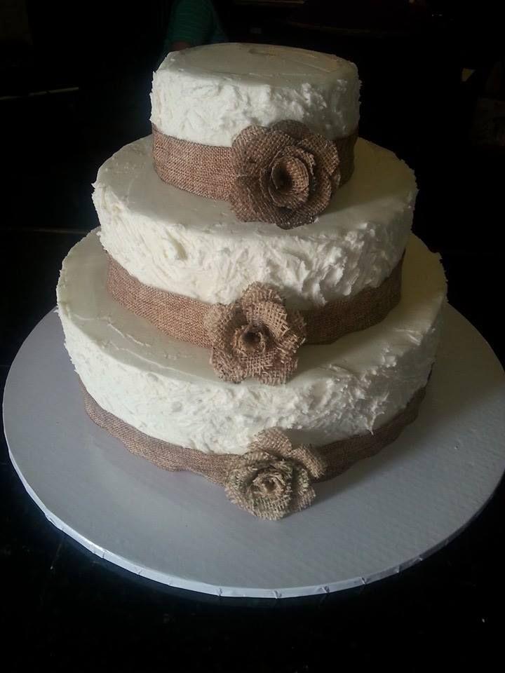 Burlap Wedding Cake | Burlap wedding cake, Wedding cake