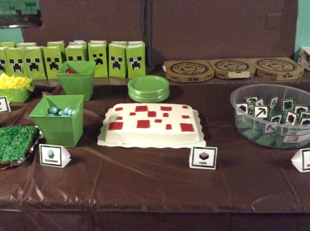Minecraft Cake Looks Just Like The Picture Just A Plain