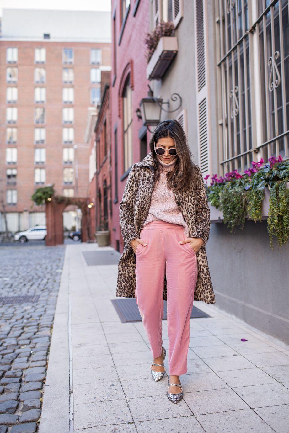 good velvet pants outfit 16