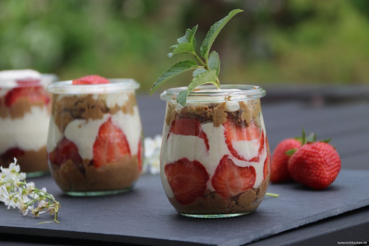Strawberry's trifle