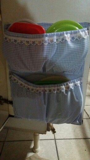 Para otimizar espaços em seu armário. ..idéia da sogra, porta tampa!