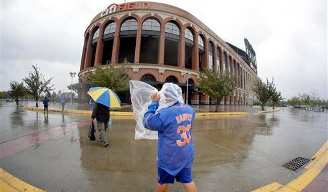 Jornada de Grandes Ligas afectada por huracán Joaquín