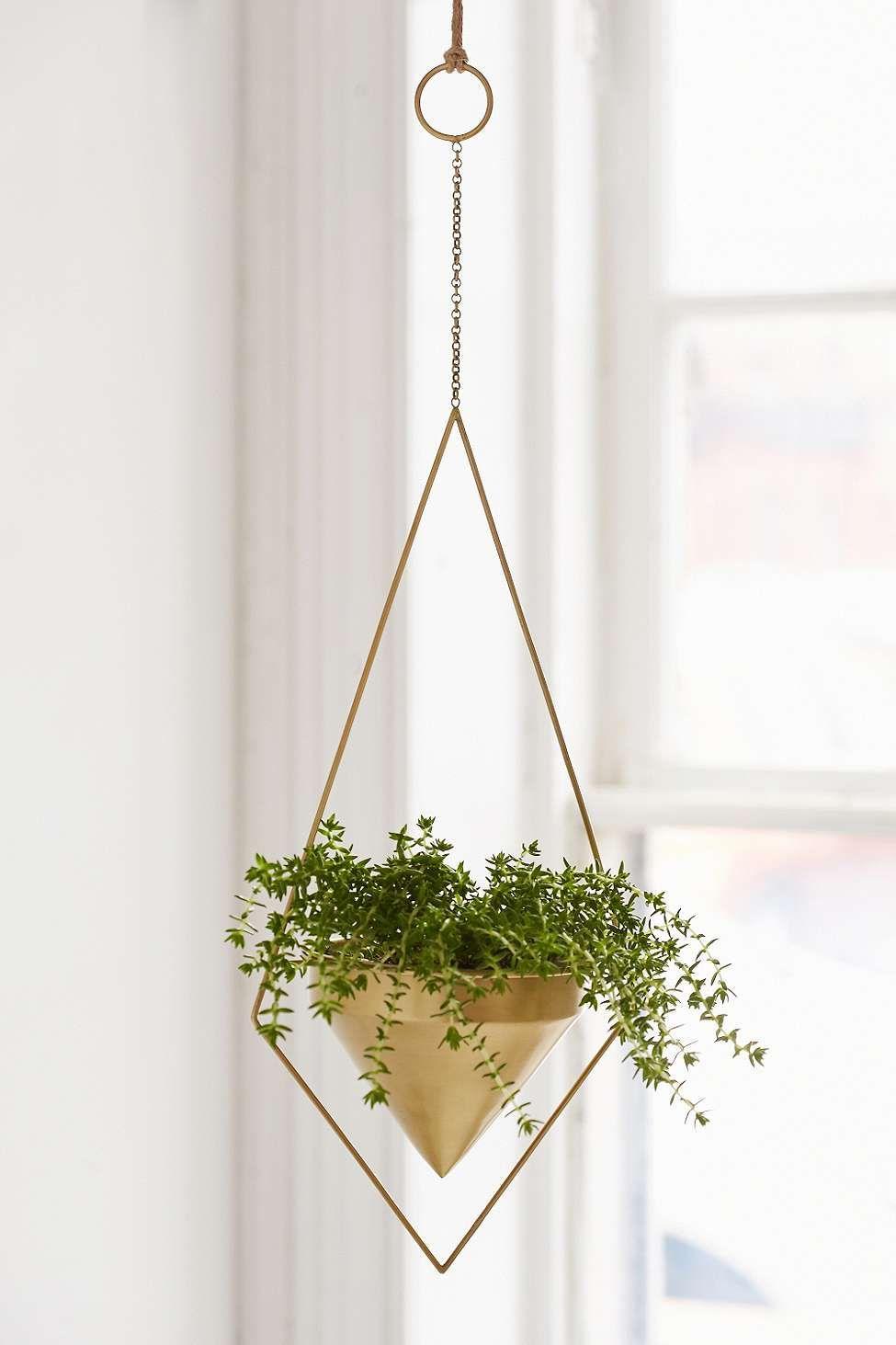 dreieckiger blumentopf zum aufh ngen green living. Black Bedroom Furniture Sets. Home Design Ideas