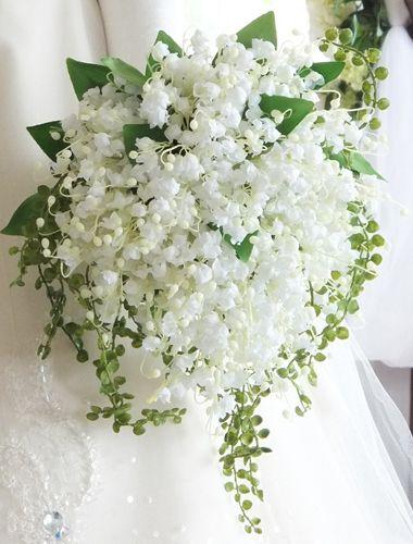 ホワイト系の花嫁ブーケカタログ~先輩花嫁のブーケ実例集~|ゼクシィ