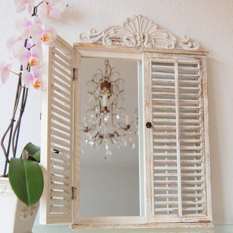 charmanter landhaus wandspiegel mit fensterl den spiegel french shabby vintage shabbychick. Black Bedroom Furniture Sets. Home Design Ideas