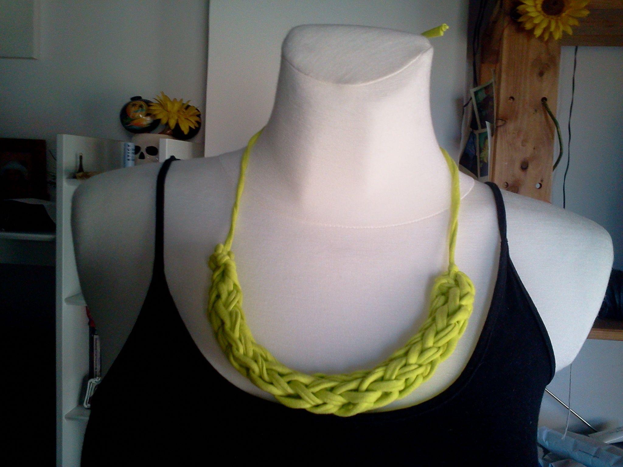 Collar de trapillo T-Shirt Yarn Necklace