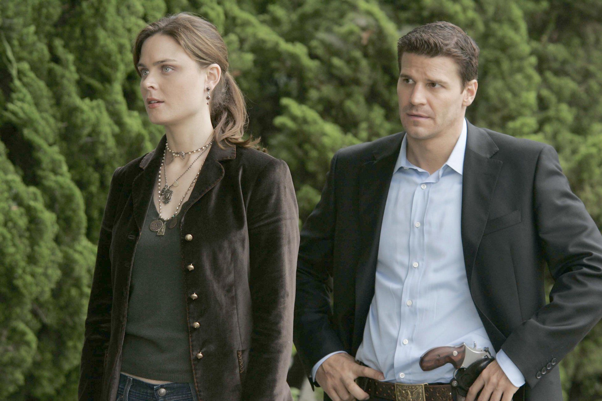 "Bones ""The Man in the SUV"" S1EP2"