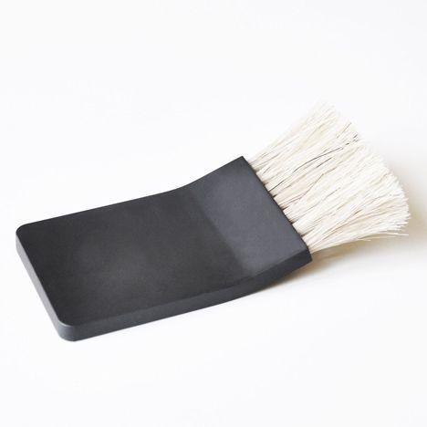 dzn_Trimmer-Razor-and-Shaving-Brush-by-Jacques-Elie-Craig-Ribeyron