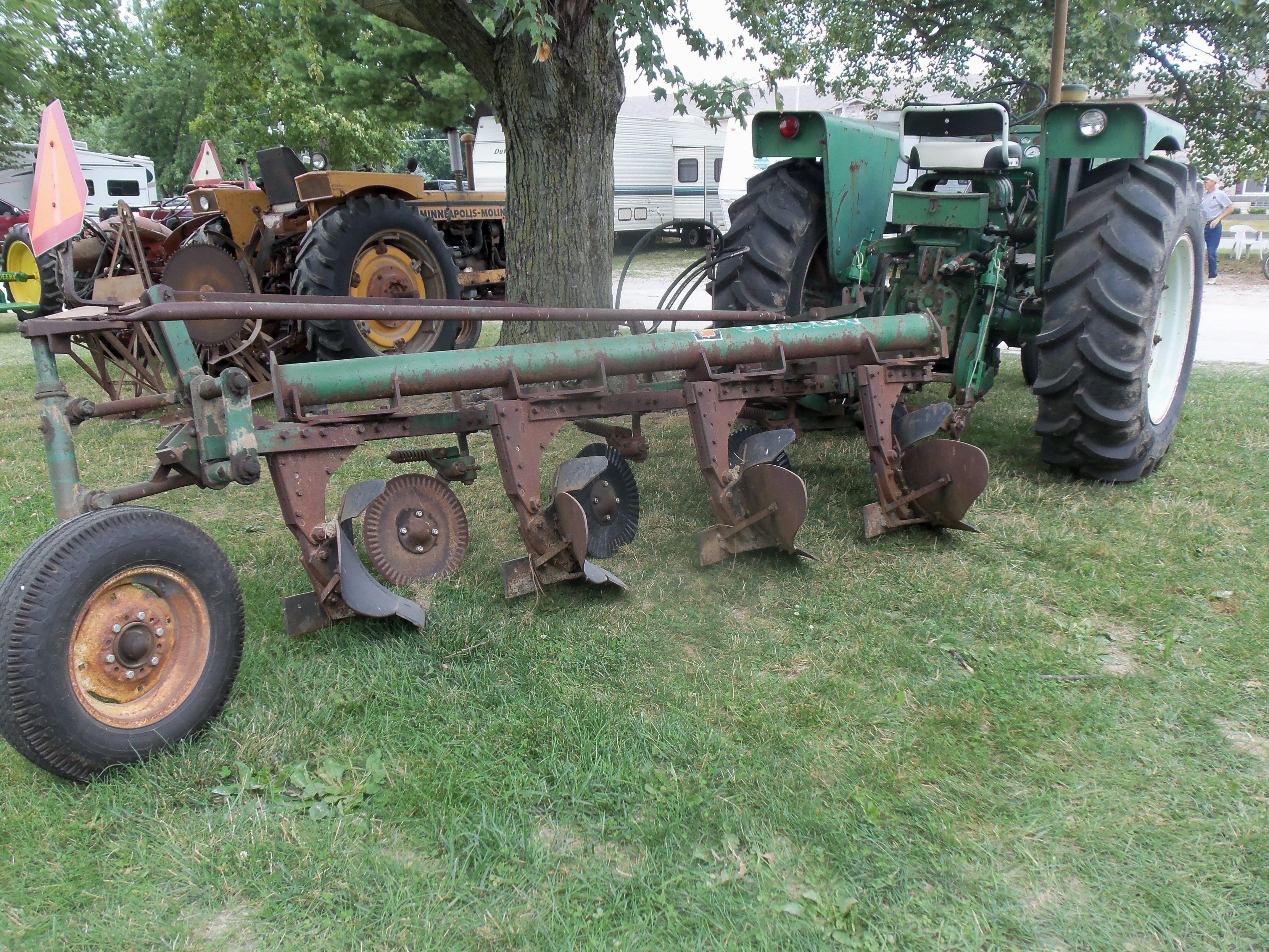Ferguson Moldboard Plow Parts : Massy ferguson model bottom plow