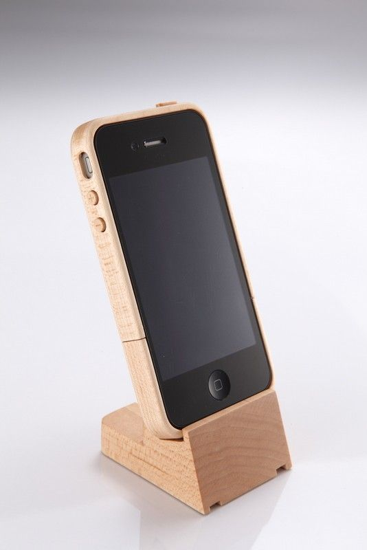 iphone 4 maple wood case stand nib wood iphone geekchic pinterest woods phone and tech. Black Bedroom Furniture Sets. Home Design Ideas