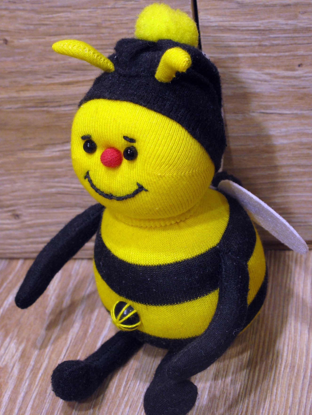 пчелка из носков | Куклы, Игрушки, Носки