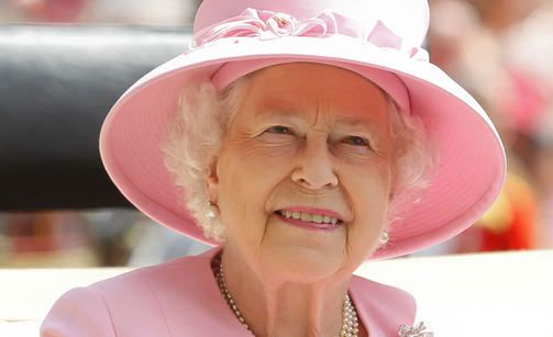 Kuningatar Elisabetin kruunajaisista 60 vuotta - katso nuoruuskuvat!