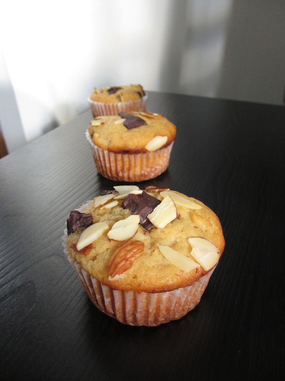 Easy Peasy Homey Banana Muffins | chilipadi's kitchen: Banana and Chocolate Muffin
