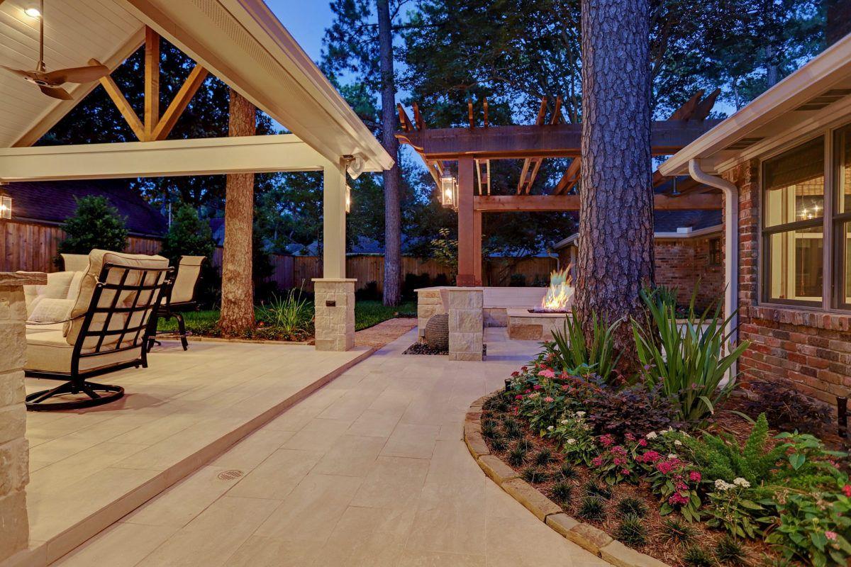 contemporary pergola and outdoor