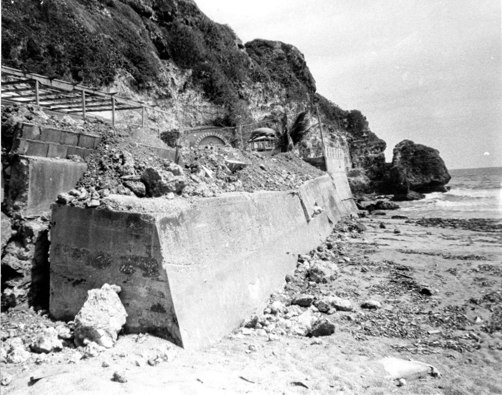 Derrumbe del terreno a la salida del túnel de guajataca en Aguadilla, Puerto Rico, año 1965
