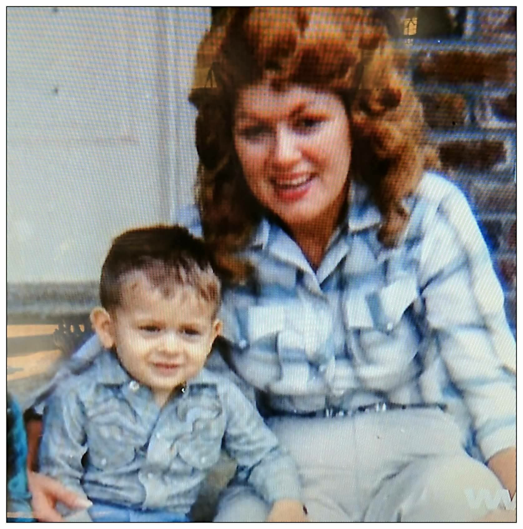 Patsy Cline And Son Randy 1962 Patsy Was Quite Fond Of Her Blonde