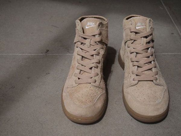 New images of the upcoming Nike Dunk Hi Deconstruct Premium sneakers in  Red, Blue and Tan colorways.