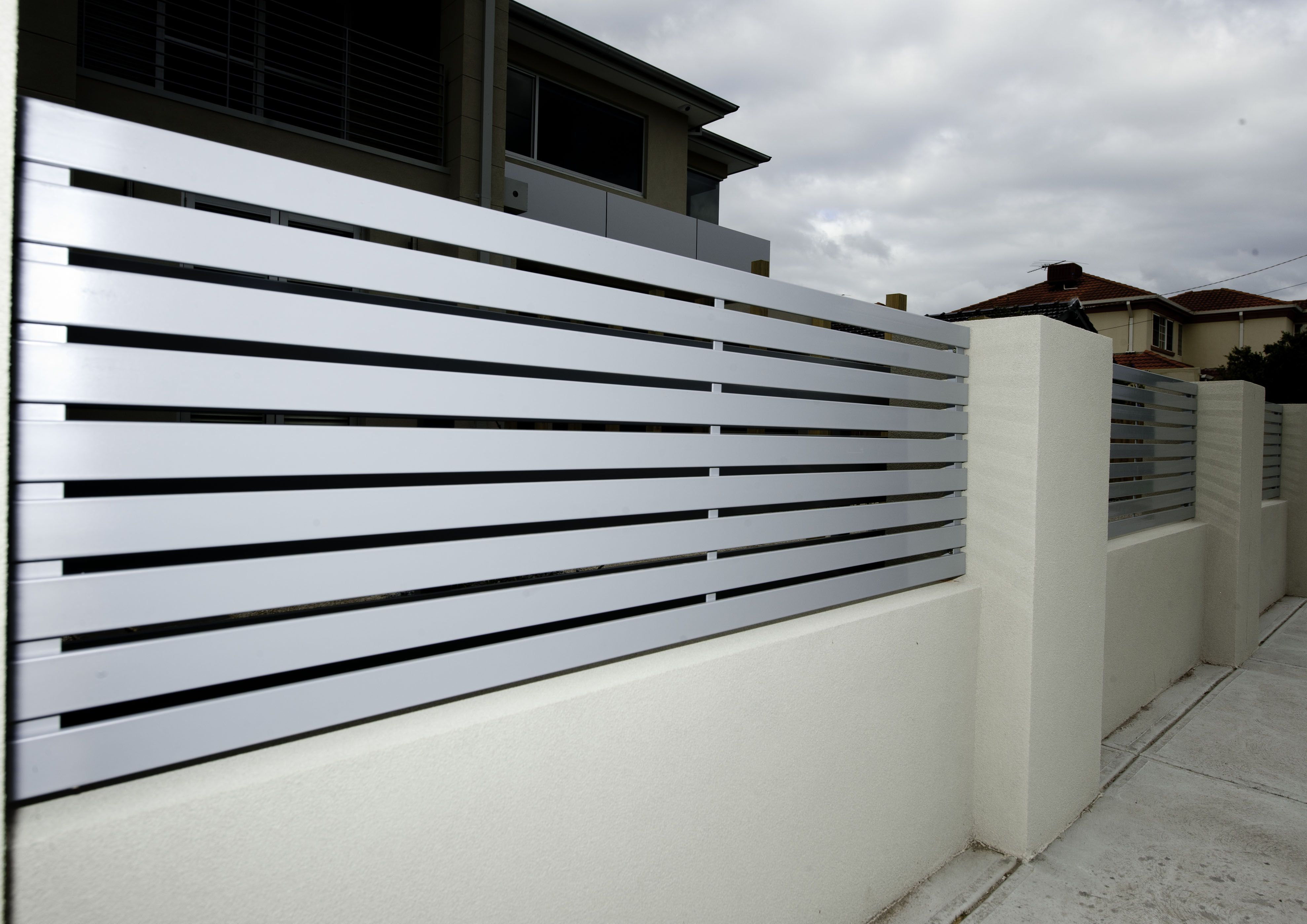 Modern iron fence design | Fence in 2019 | Modern fence ...