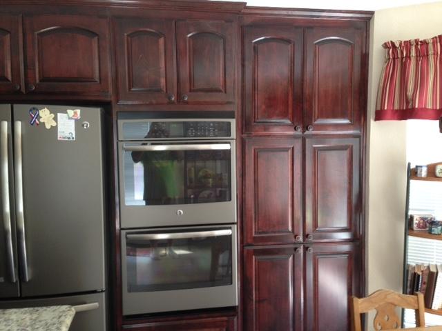 Best Red Oak Kitchen Cabinets With Ge Slate Appliances Google 400 x 300
