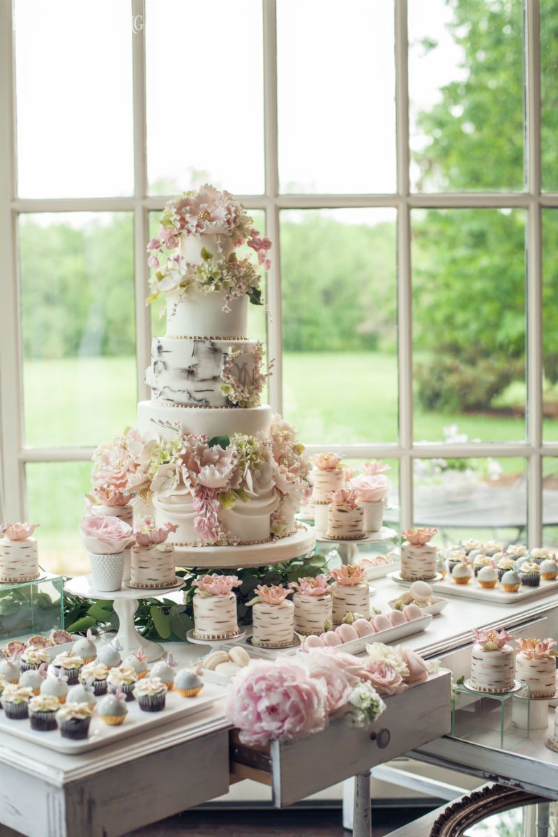 Garden wedding cake mini wedding cake sweet table for Garden wedding cake designs