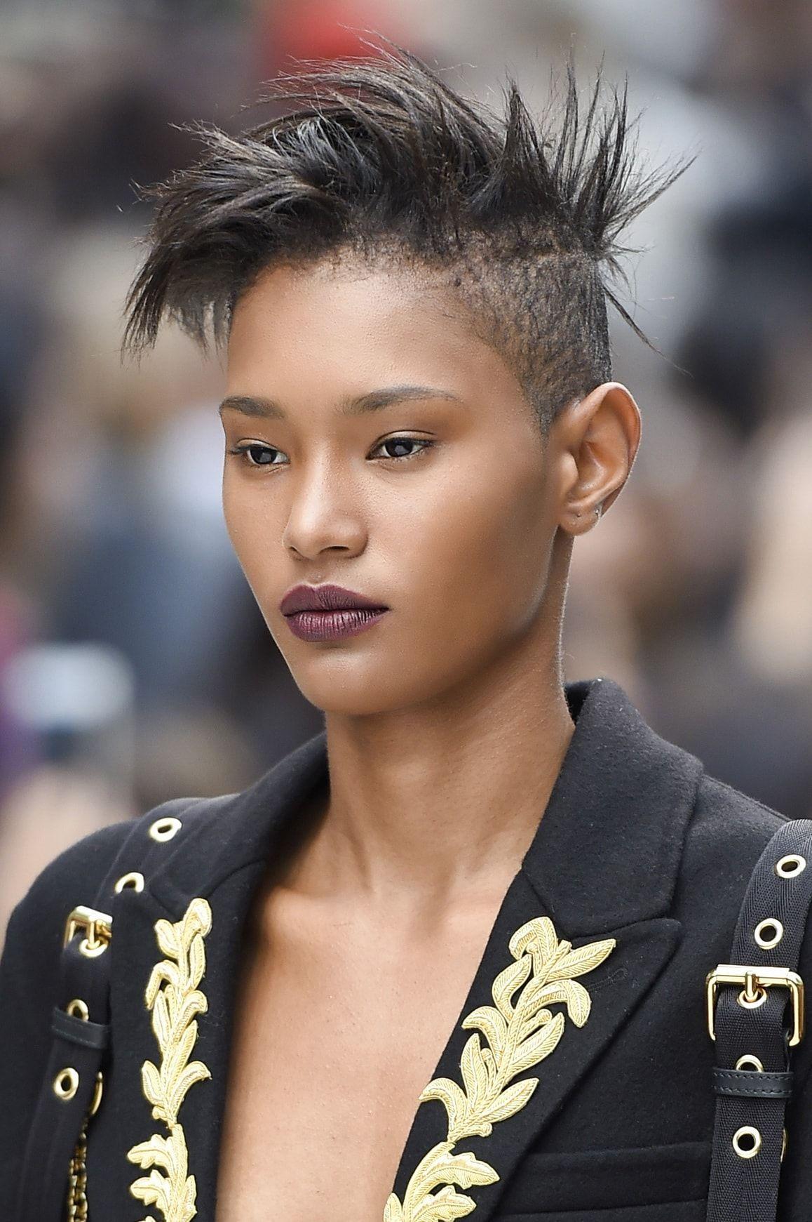 Coupe De Cheveux Femme Punk Rock Coiffures De Mode Moderne