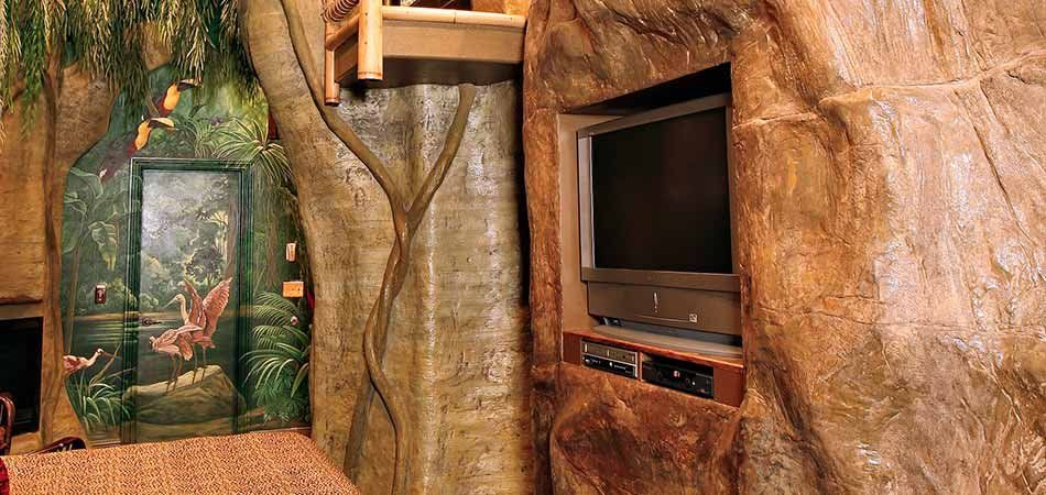Mayan Rainforest Suite At Black Swan Inn In Pocatello Id
