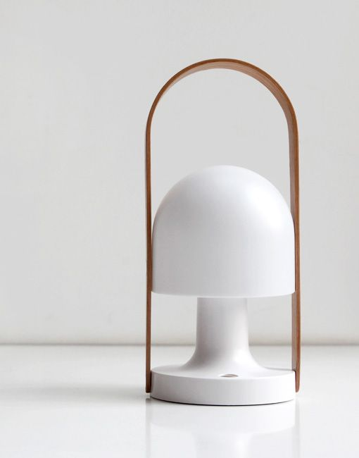 FollowMe Rechargeable Table Lamp | Barcelonaindesign.com