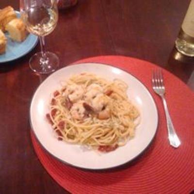 Garlic Shrimp Linguine food-and-drink