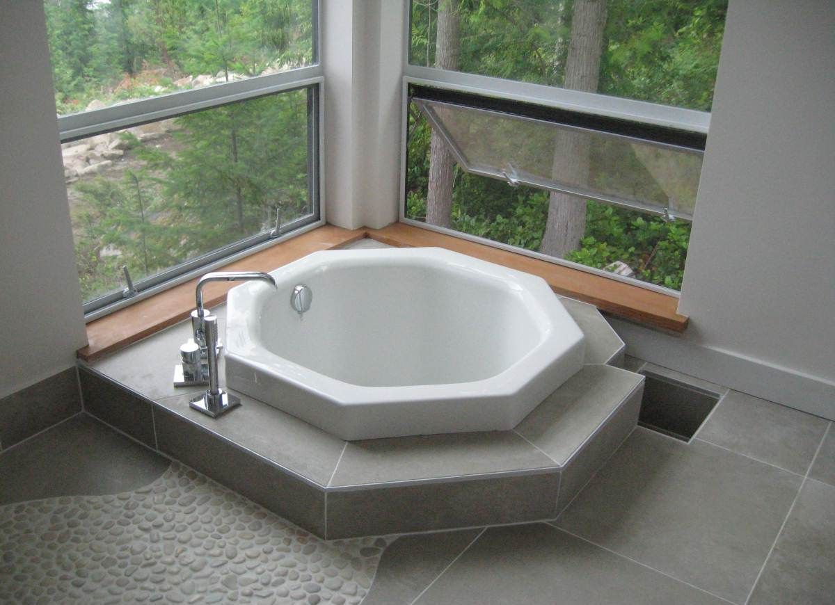 Tiny Japanese Soaking Tub. Small Japanese Inspired soaking tub for modern bathrooms  perfect tiny homes Love its