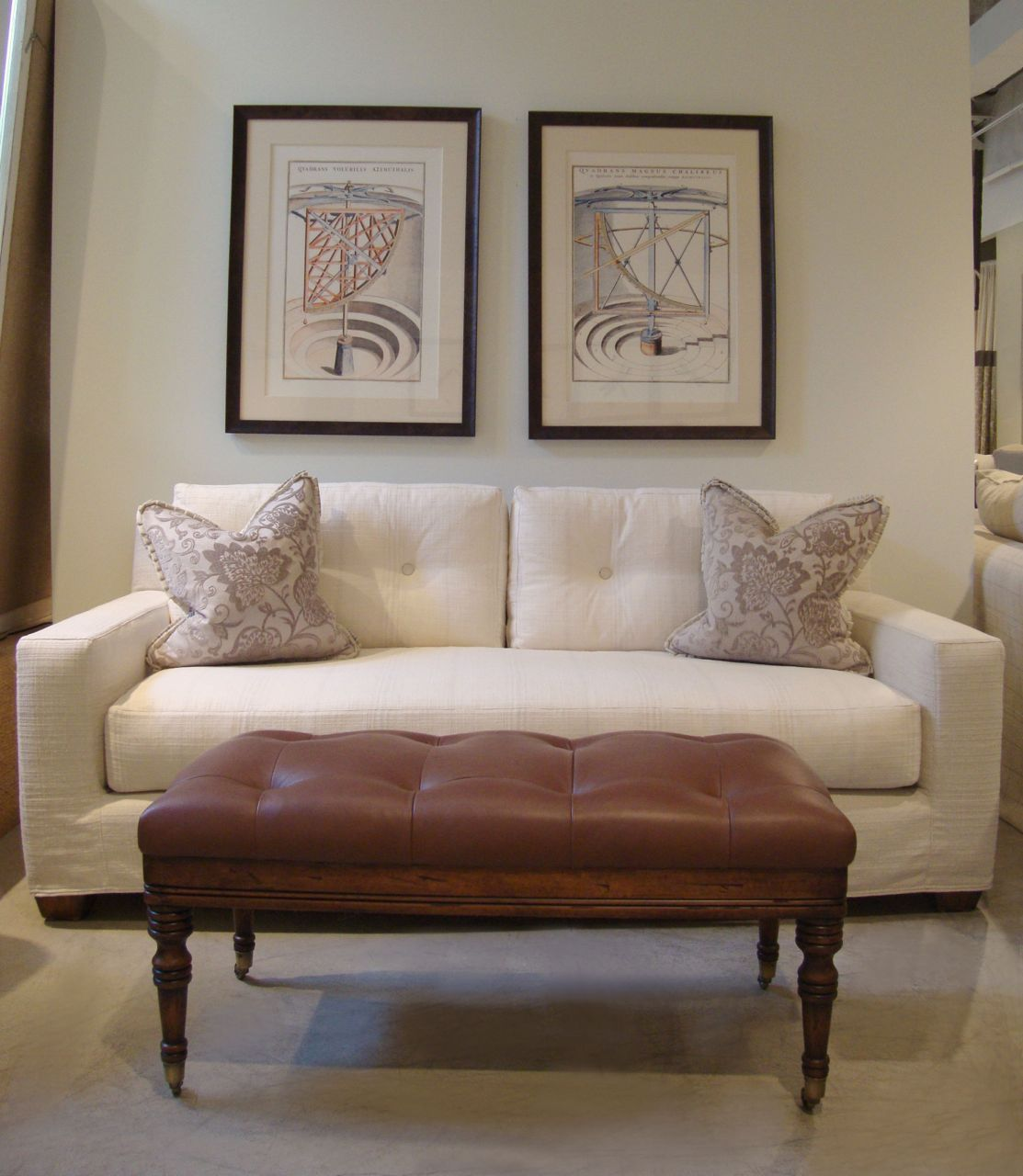 Quatrine - Chicago. New Yorker sofa and Provence leather ottoman ...