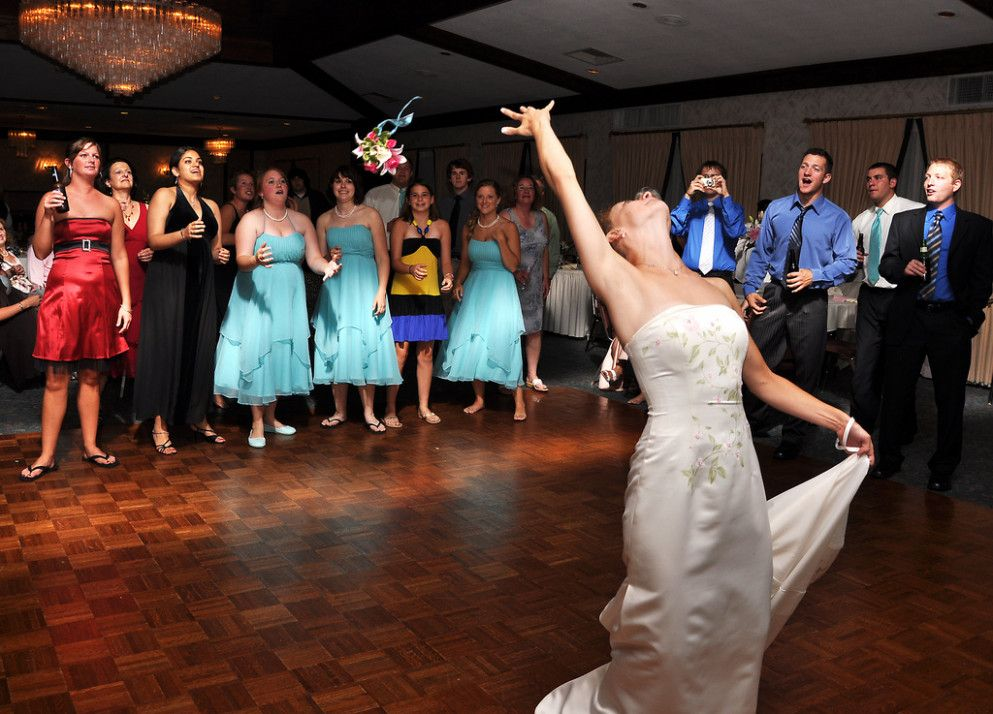 Wedding Reception Songs Bouquet Toss Wedding Photo Wedding
