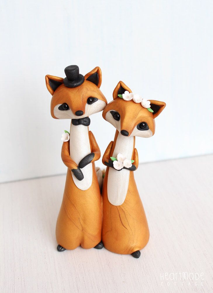 Wedding Cake Topper - Fox woodland cake topper and keepsake by Heartmade Cottage by HeartmadeCottage on Etsy https://www.etsy.com/listing/385876196/wedding-cake-topper-fox-woodland-cake