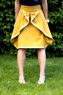 Beautiful pinwheel skirt tutorial from Elle Apparel.
