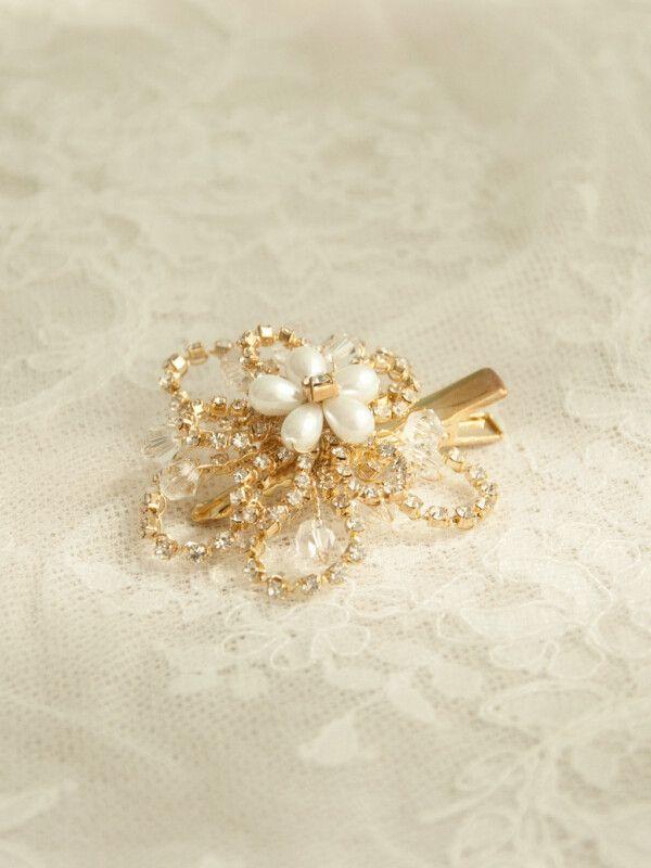 Chic Pearl Flower Rhinestone Bridal Hair Clip