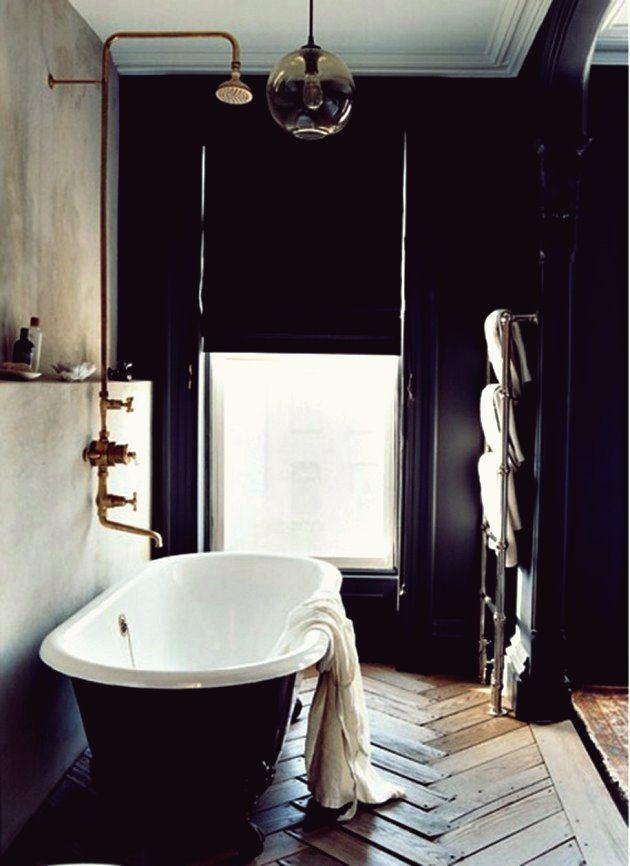 30 Inspirierende Ideen für industrielle Badezimmer   Badezimmer schwarz, Badezimmer gestalten ...